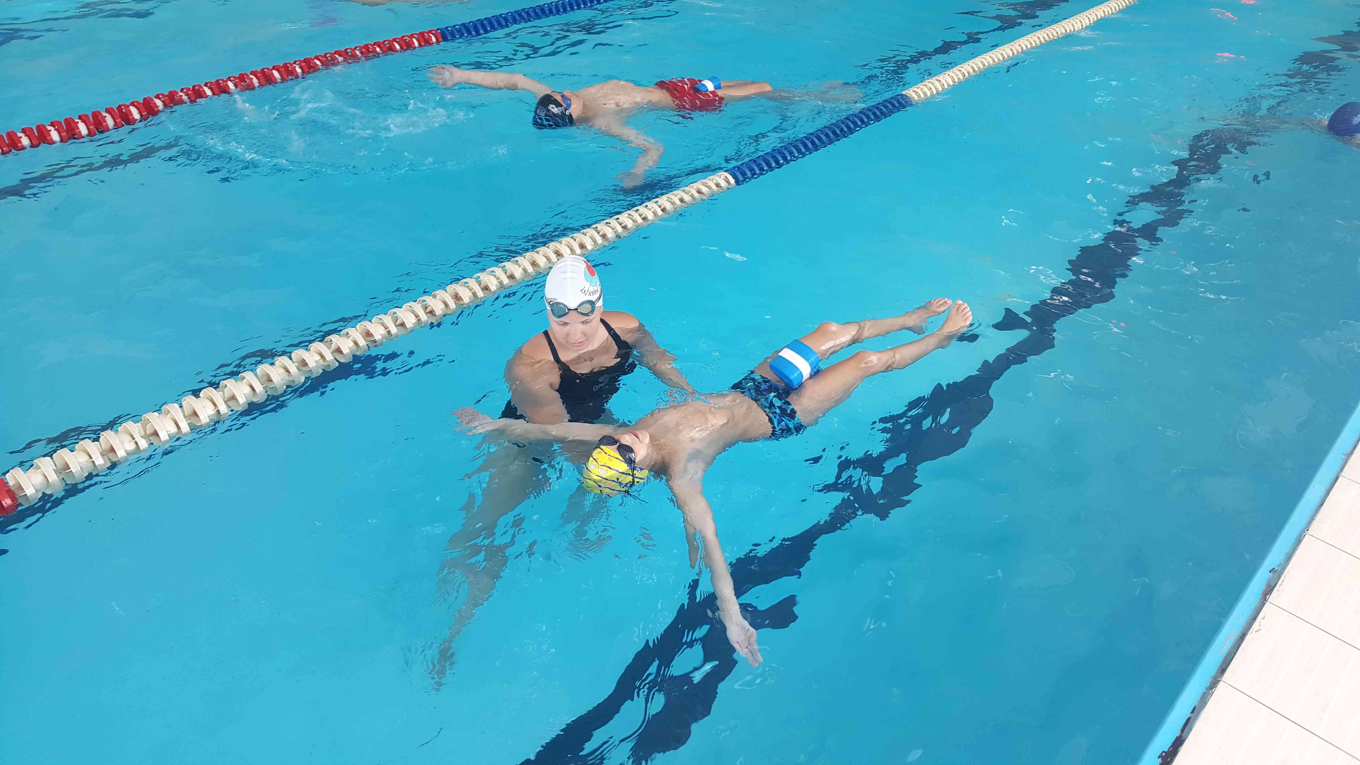 спортивное плавание для детей москва девочки поспорили